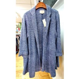 Skies are blue long open front tunic blazer